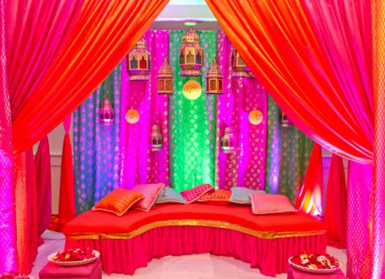 Colorful-Mehndi-Henna-stage-Weddings-in-Turkey
